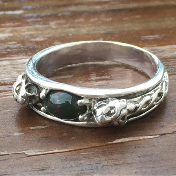 Wellstone Jewelry Other - LION head Ring Sterling Silver w/ Bloodstone gen